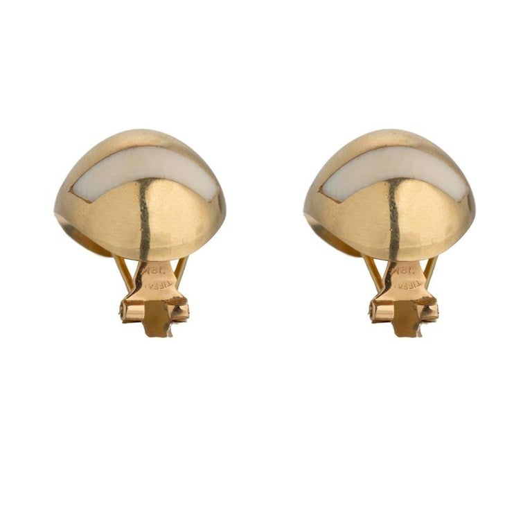 Tiffany & Co. Gold Stud Earrings In Good Condition For Sale In New York, NY