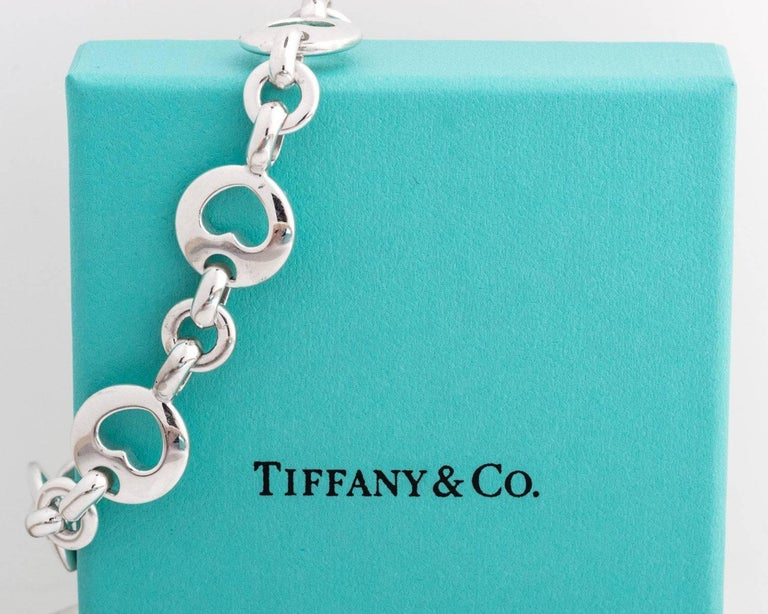 Tiffany & Co. Heart Link Sterling Silver Charm Bracelet In Good Condition For Sale In Hicksville, NY