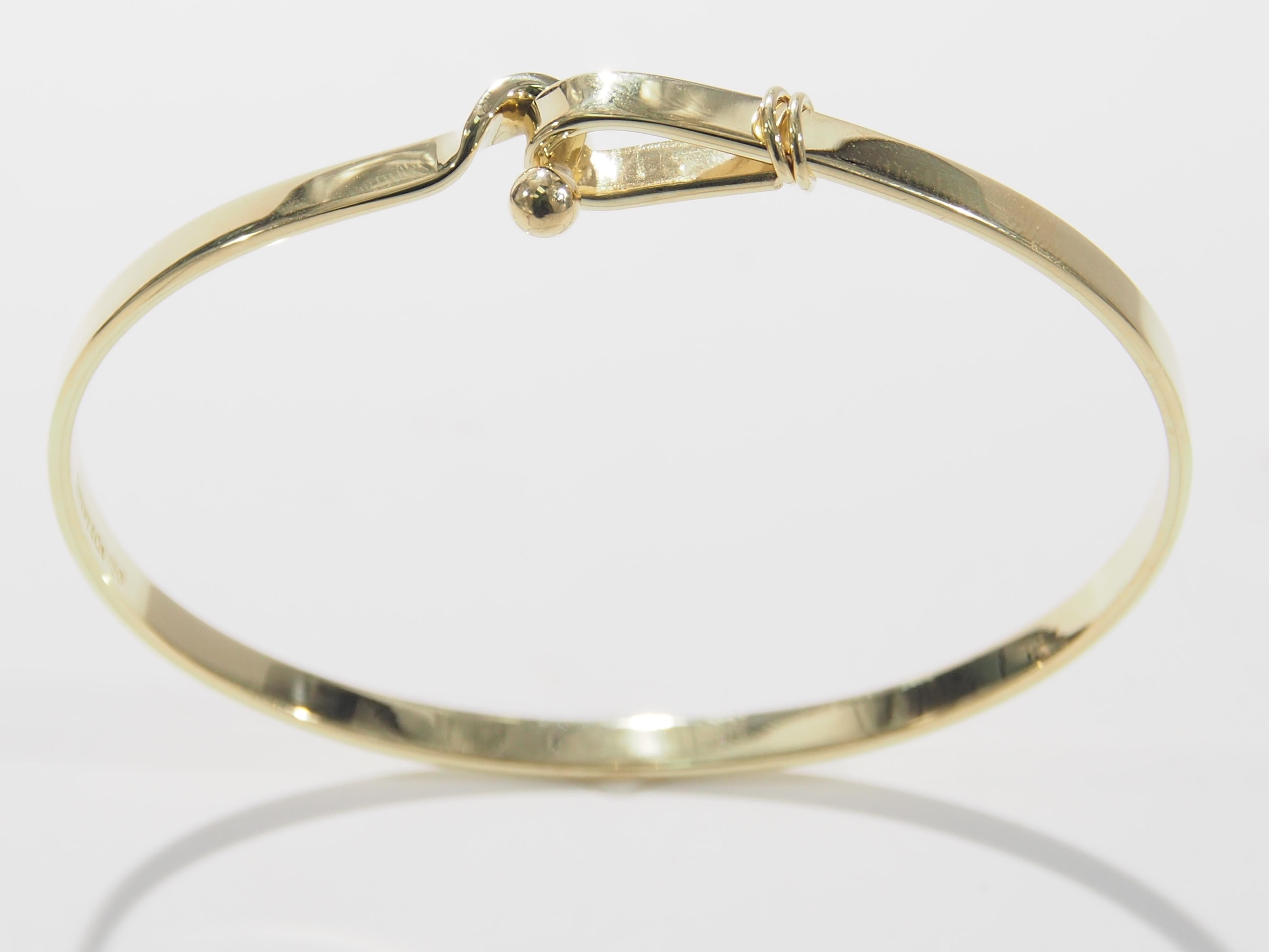 dcd00fd98 Tiffany and Co. Hook and Eye Bangle Bracelet Yellow Gold 18 Karat For Sale  at 1stdibs