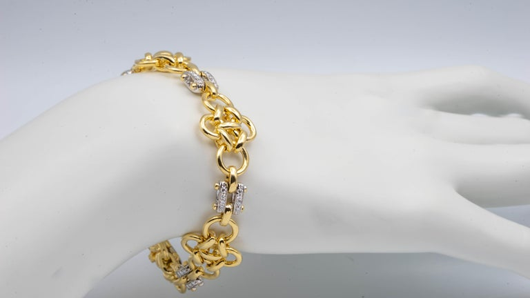Tiffany & Co. Link 18 Karat Gold and Diamond Bracelet In Excellent Condition For Sale In New York, NY