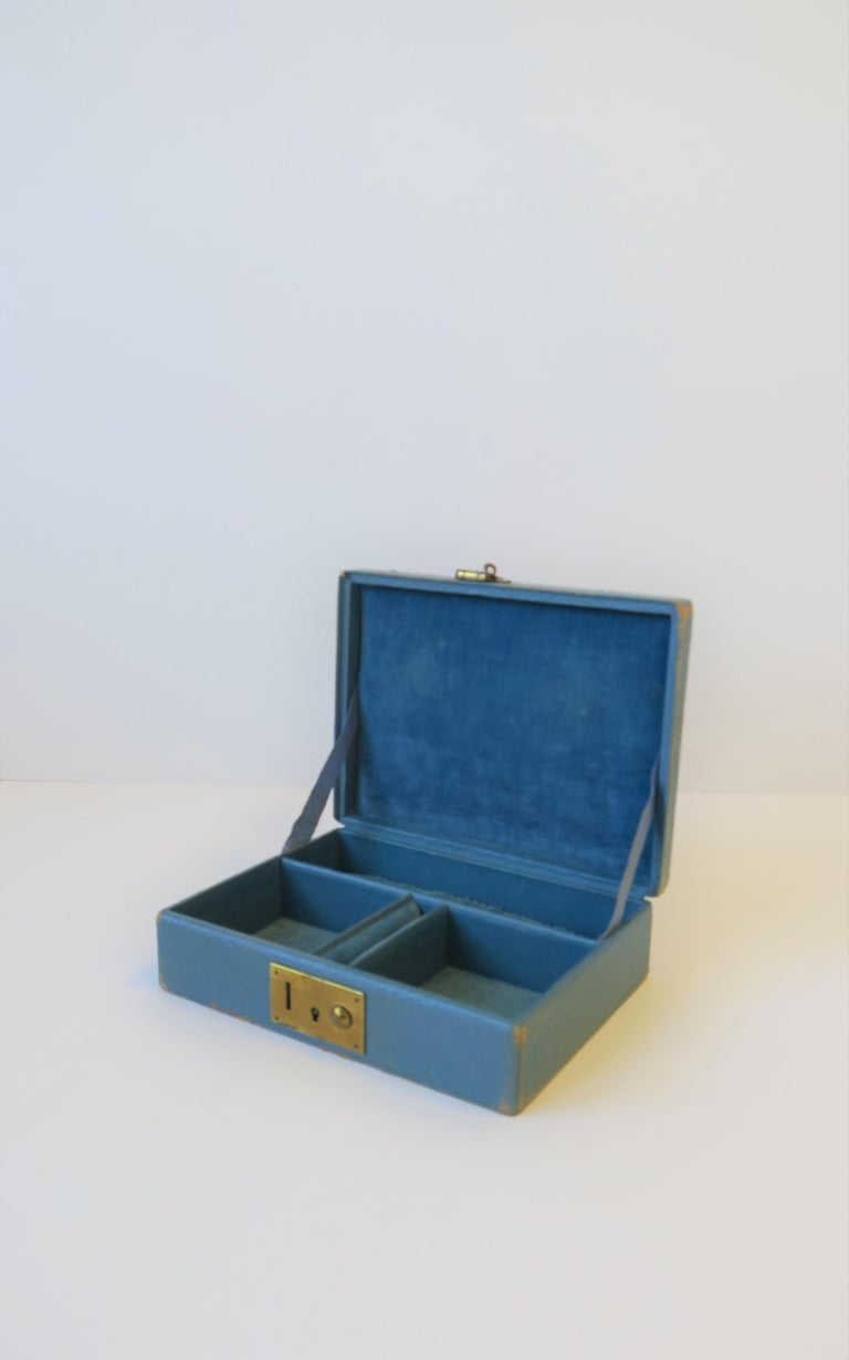 Blue Leather and Brass Jewelry Box from London For Sale 5