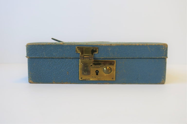 Blue Leather and Brass Jewelry Box from London For Sale 7