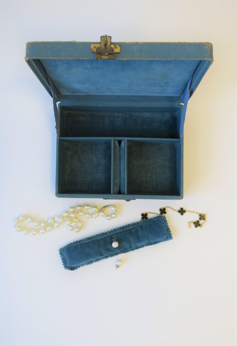 Blue Leather and Brass Jewelry Box from London For Sale 2