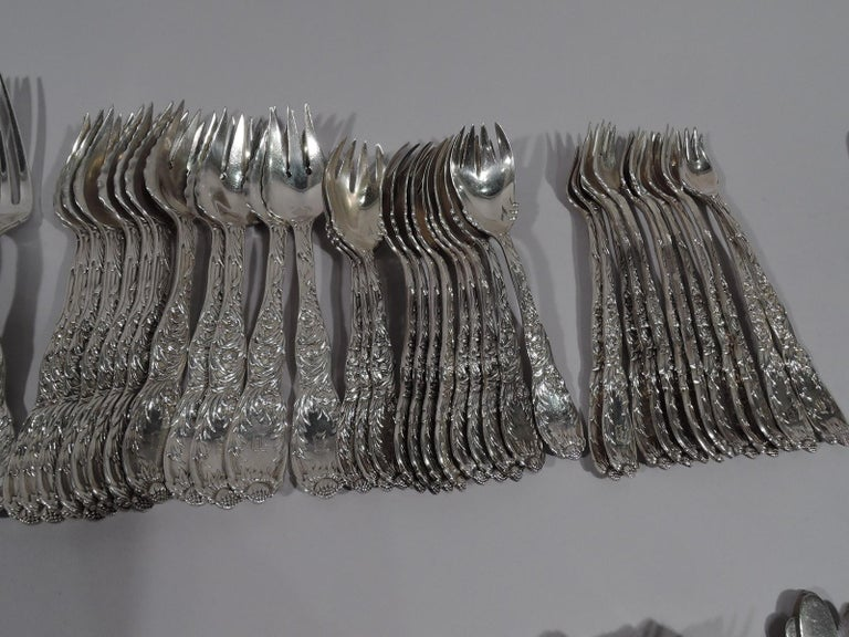 Tiffany Chrysanthemum Sterling Silver Dinner Set with 145 Pieces For Sale 1