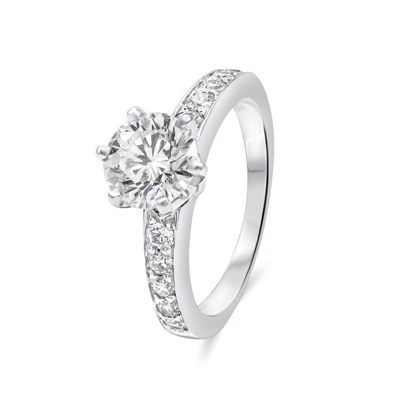Contemporary Tiffany & Co. 1.01 Carat Round Diamond Platinum Engagement Solitaire Ring For Sale