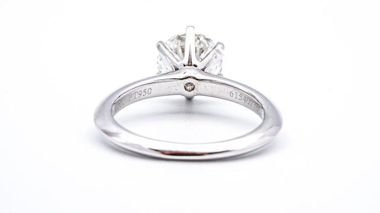 Round Cut Tiffany & Co. 1.22 Carat Center I VS2 Round Brilliant Solitaire Engagement Ring For Sale