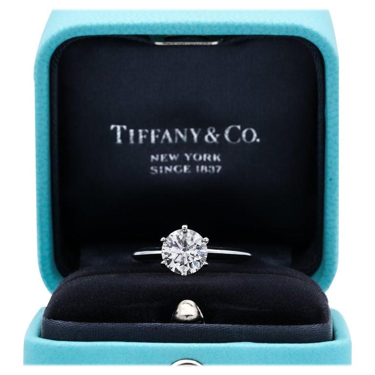 Tiffany & Co. 1.22 Carat center I VS2 Round Brilliant Solitaire Engagement Ring