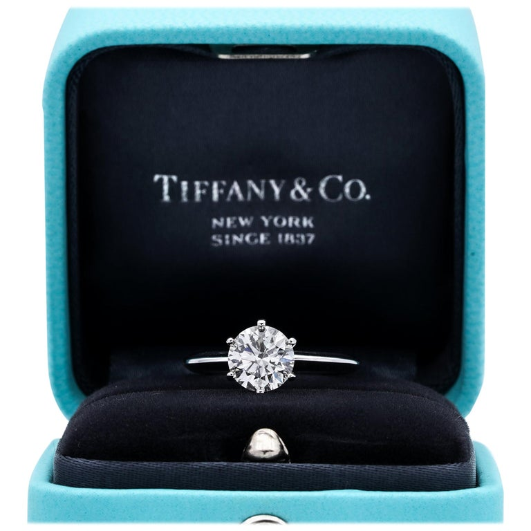 Tiffany & Co. 1.22 Carat Center I VS2 Round Brilliant Solitaire Engagement Ring For Sale