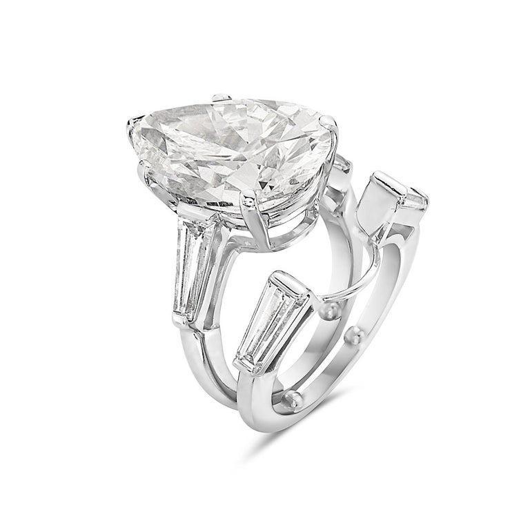 Tiffany & Co. 12.20 F VVS1 GIA Pear Shape Engagement Ring with Band In Excellent Condition For Sale In New York, NY