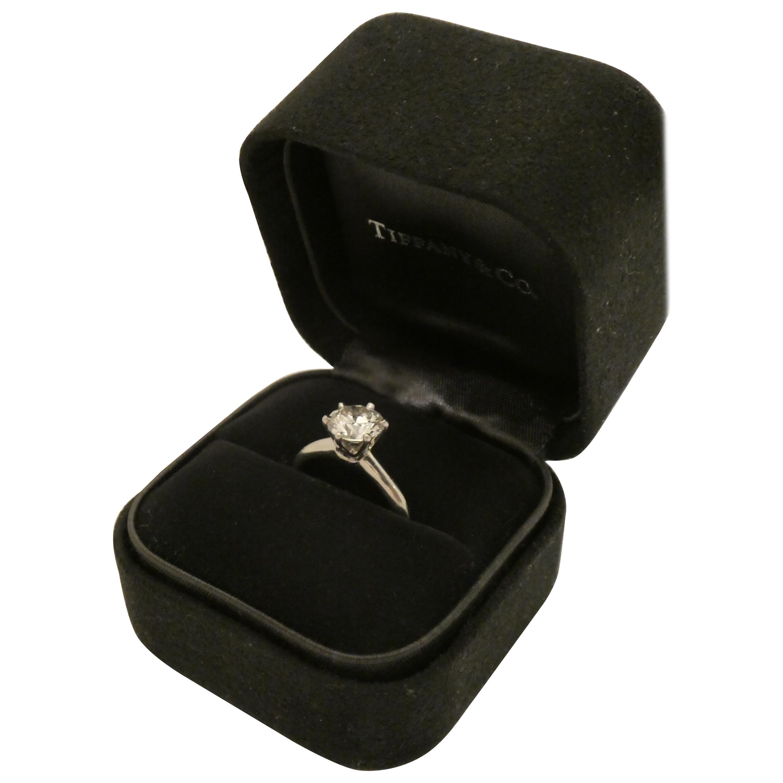 Tiffany & Co. 1.38 Carat VS2, G Color Diamond Solitaire Platinum Engagement Ring