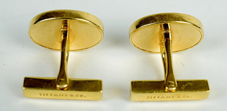 Tiffany & Co. 14 Karat Yellow Gold and Black Onyx Vintage Cufflinks For Sale 2