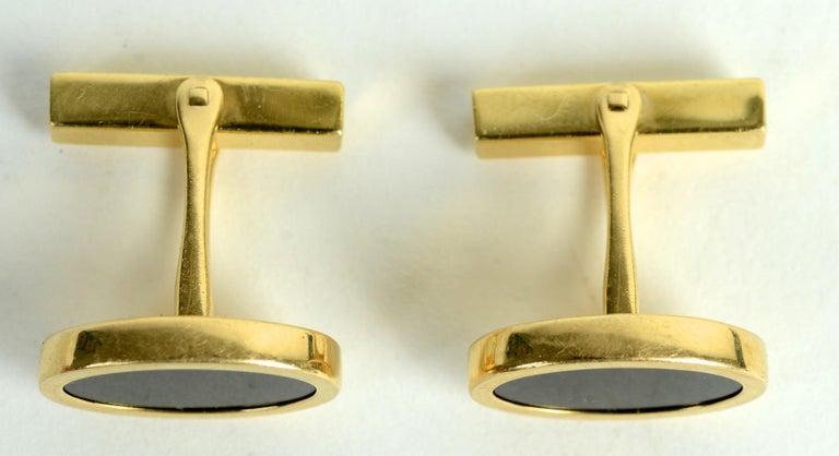Tiffany & Co. 14 Karat Yellow Gold and Black Onyx Vintage Cufflinks For Sale 3
