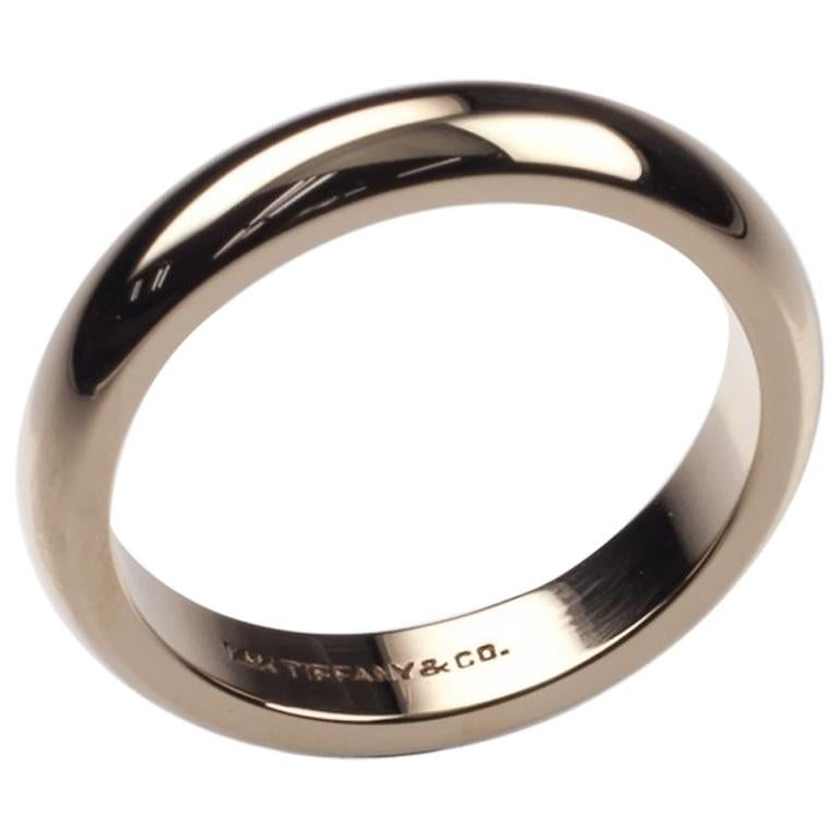 279220428 Tiffany and Co. 14 Karat Yellow Gold Vintage Wedding Band For Sale ...