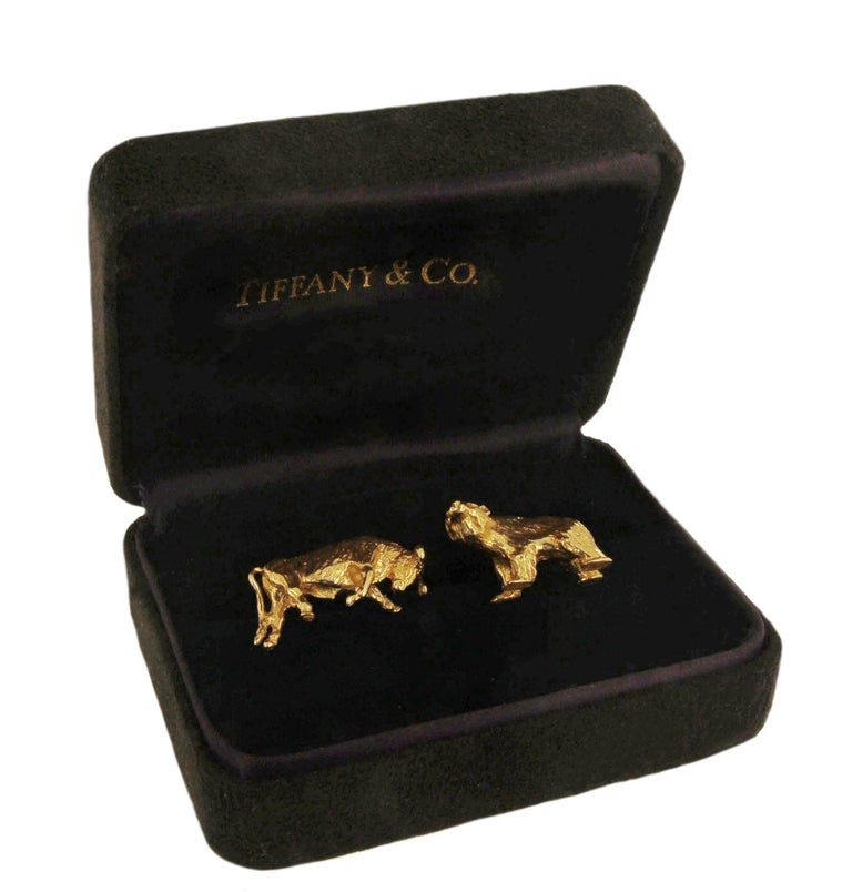Women's or Men's Tiffany & Co. 14 Karat Yellow Gold Bear and Bull Cufflinks For Sale