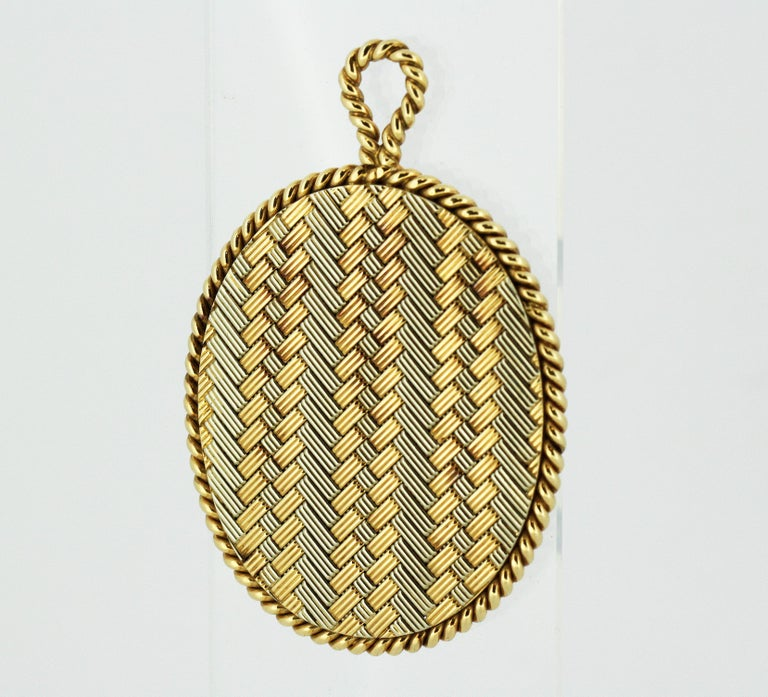 Tiffany & Co. 14 Karat Gold Mirror and Pendant, USA, circa 1940s For Sale 3