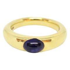 Tiffany & Co. 18 Carat Yellow Gold Cabochon Sapphire Ring