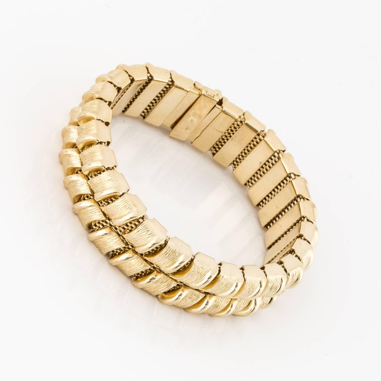 18K yellow gold bracelet made by Tiffany & Co.  It was made in Germany in the 1970's.  Measures 7