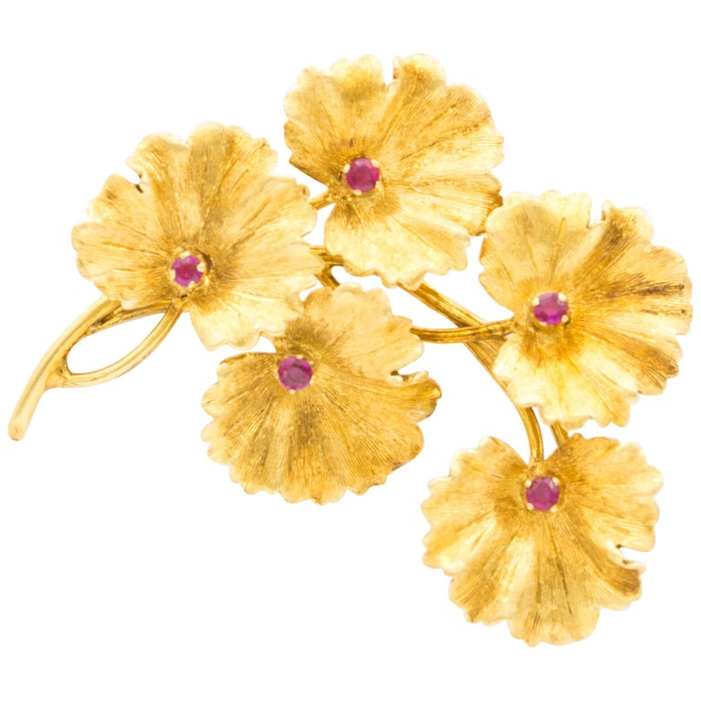 Tiffany & Co. 18 Karat Gold and Ruby Leaves Brooch, circa 1950s For Sale