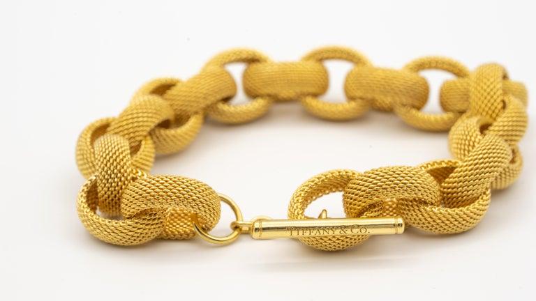 Women's or Men's Tiffany & Co. 18 Karat Gold Mesh Link Toggle Bracelet For Sale