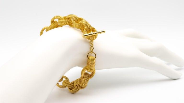 Tiffany & Co. 18 Karat Gold Mesh Link Toggle Bracelet For Sale 1