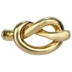 Tiffany & Co. 18 Karat Gold Pretzel Knot Pendant for a Necklace or Charm, 1979