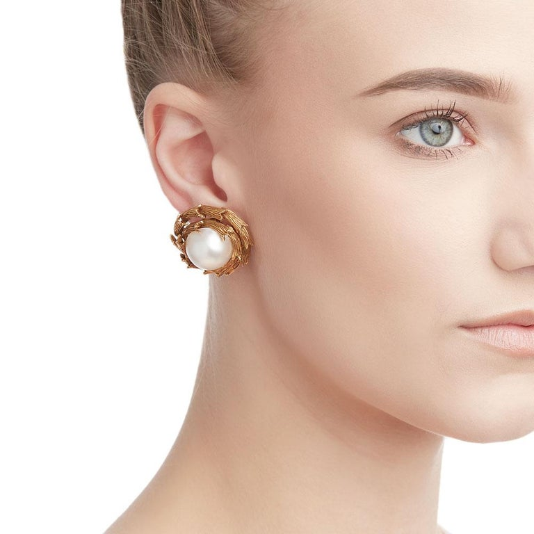 Tiffany & Co. 18 Karat Yellow Gold Mabe Pearl Clip-On Earrings For Sale 5