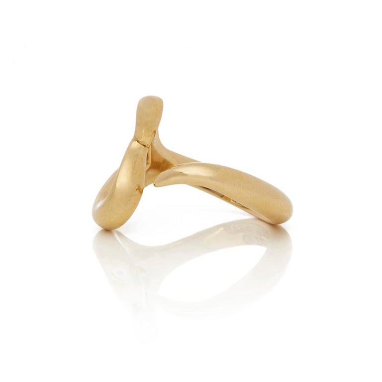 Tiffany & Co. 18 Karat Yellow Gold Open Heart Elsa Peretti Ring In Excellent Condition For Sale In Bishop's Stortford, Hertfordshire