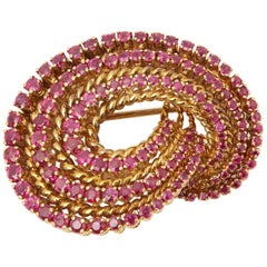 Tiffany & Co. 18 Karat Yellow Gold Round Cut Ruby 1940s Vintage Brooch