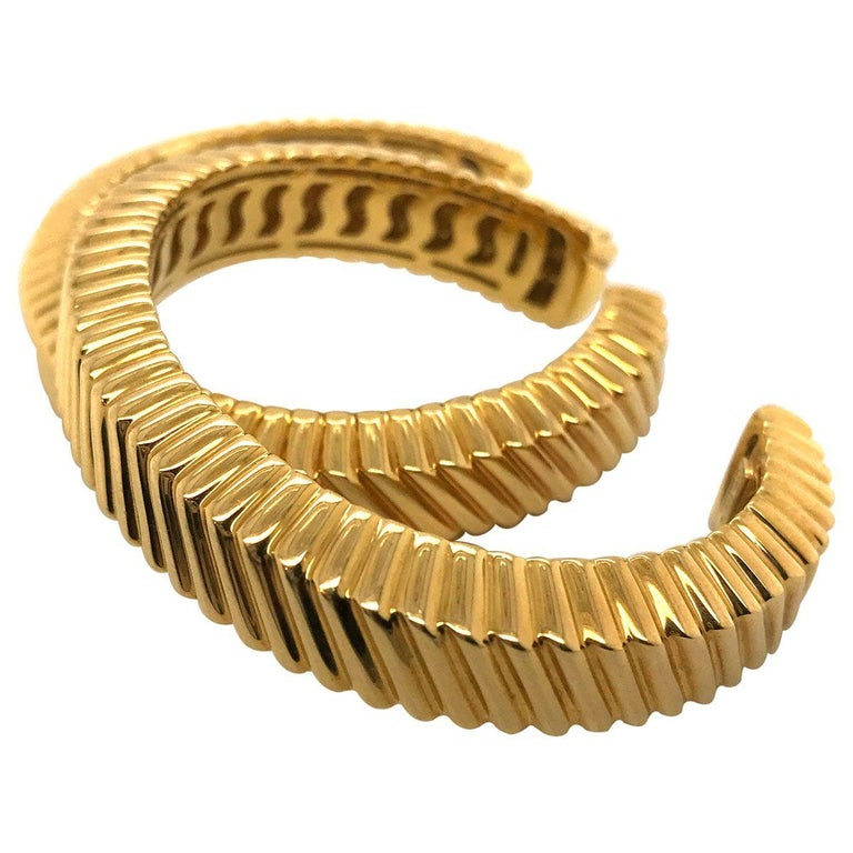 Contemporary Tiffany & Co. 18 Karat Yellow Gold Textured Cuffs For Sale