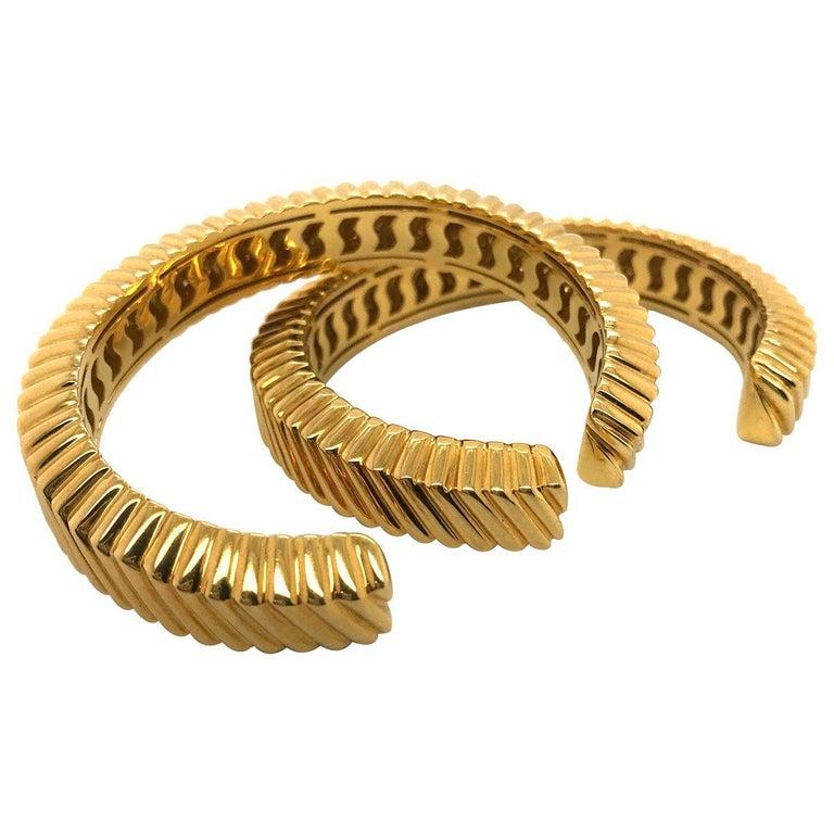 Tiffany & Co. 18 Karat Yellow Gold Textured Cuffs In Excellent Condition For Sale In Brisbane, AU