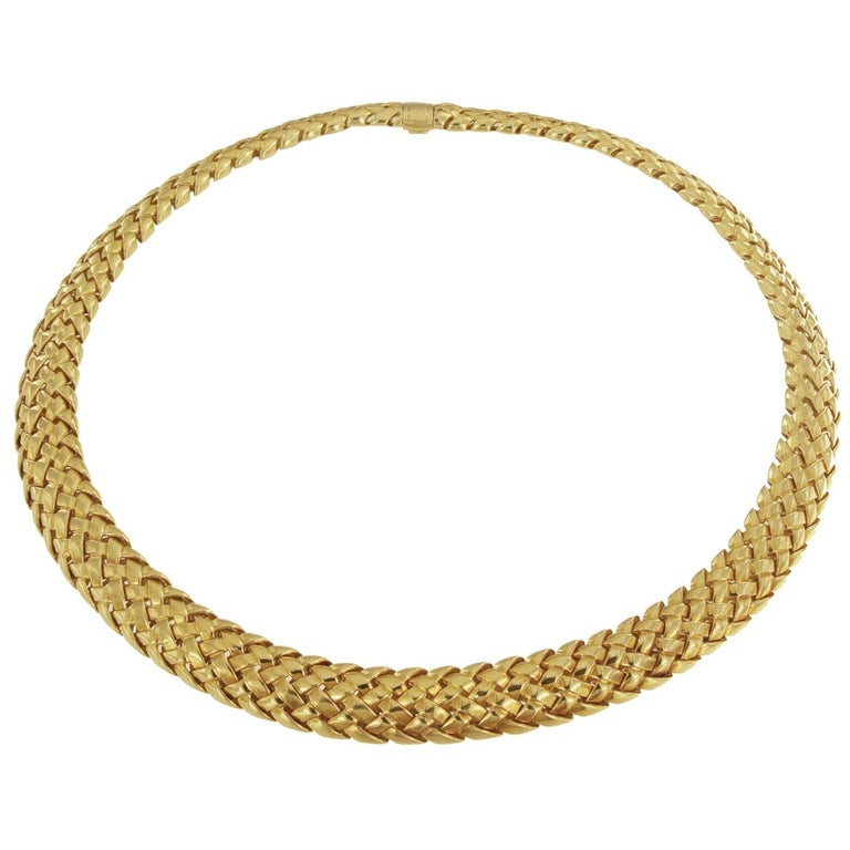 Tiffany & Co. 18 Karat Yellow Gold Vannerie Basket Weave Choker Necklace For Sale