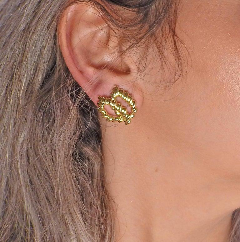 Tiffany & Co. 18 Karat Gold Earrings For Sale 1