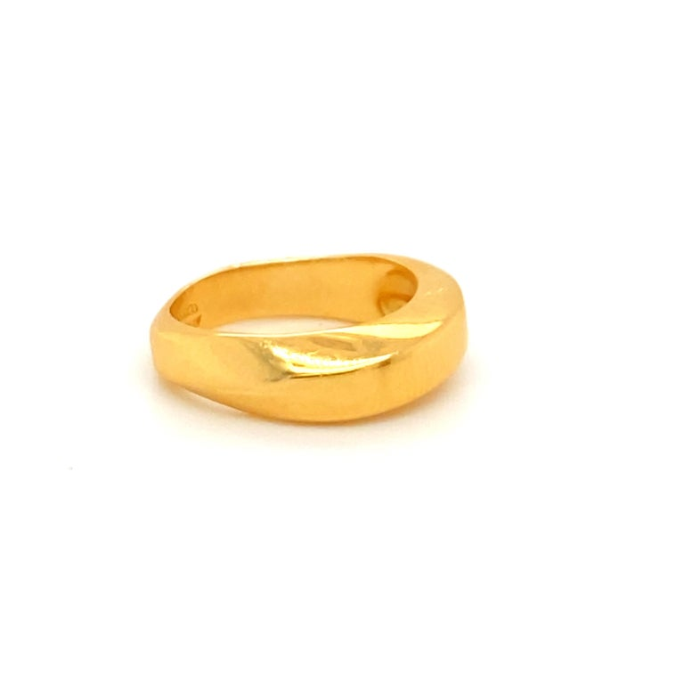 Tiffany & Co. 18k Gold Ring In Excellent Condition For Sale In Carlsbad, CA