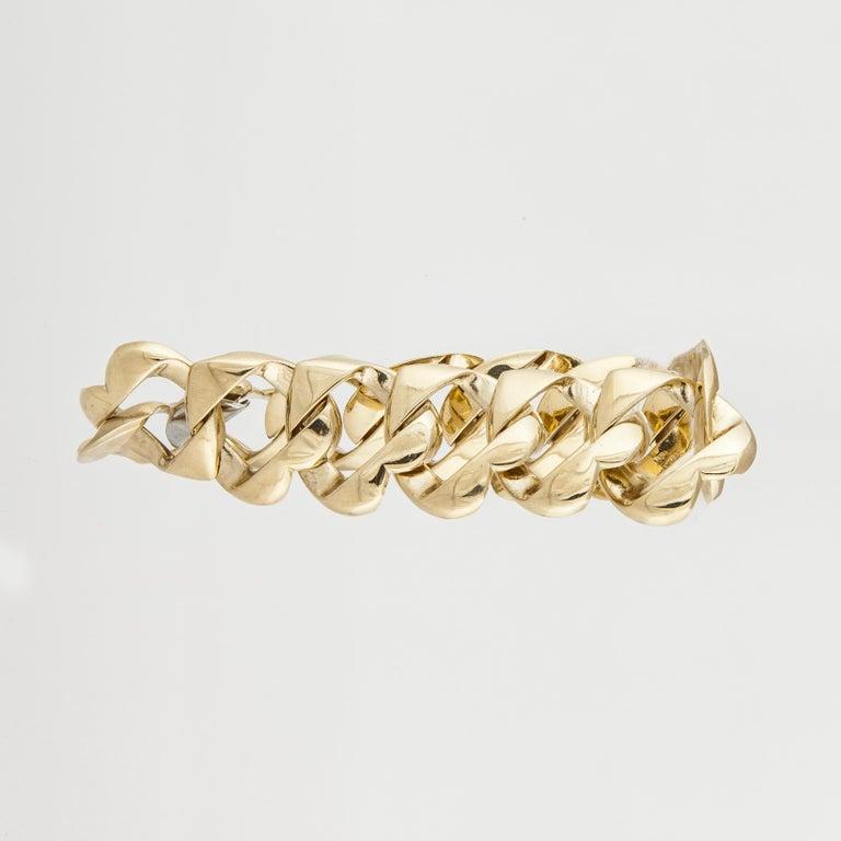 Tiffany & Co. 18 Karat Heart Link Bracelet In Good Condition For Sale In Houston, TX