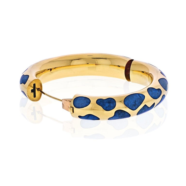 Tiffany & Co. 18 Karat Yellow Gold Blue Lapis Bangle Bracelet In Excellent Condition For Sale In New York, NY
