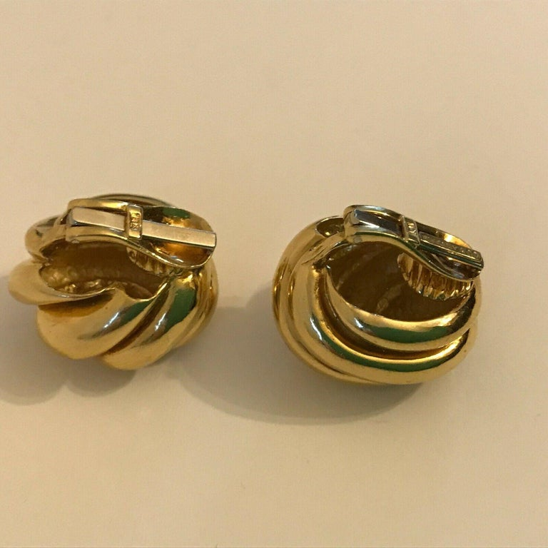 Women's or Men's Tiffany & Co. 18k Yellow Gold Knot Motif Clip on Earrings Vintage & Rare For Sale
