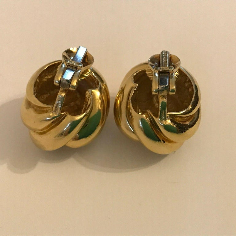 Tiffany & Co. 18k Yellow Gold Knot Motif Clip on Earrings Vintage & Rare For Sale 1