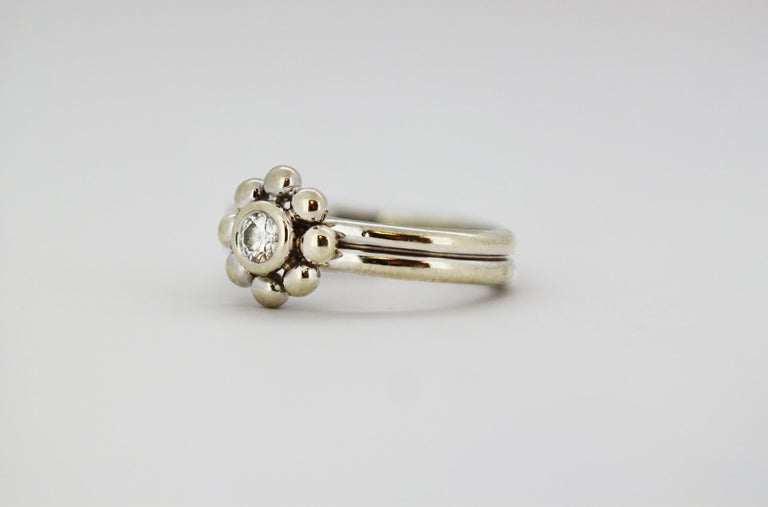 Tiffany & Co. 18 Karat White Gold Ladies Ring with Diamond In Good Condition For Sale In Braintree, GB