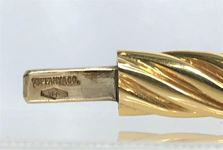 Tiffany & Co. 18ky Twisted Bangle Bracelet In Excellent Condition For Sale In Cincinnati, OH