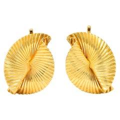 Tiffany & Co. 1950s Retro 14 Karat Gold Foliate Ear-Clip Earrings