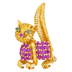 Tiffany & Co. 1960s Ruby Emerald 18 Karat Yellow Gold Prancing Cat Brooch