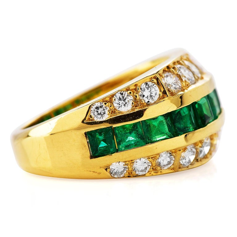 Round Cut Tiffany & Co 1980's Diamond Emerald 18K Gold Ring For Sale
