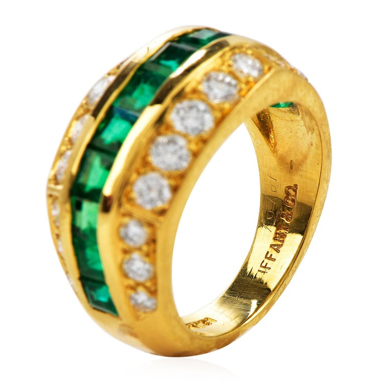 Women's Tiffany & Co 1980's Diamond Emerald 18K Gold Ring For Sale
