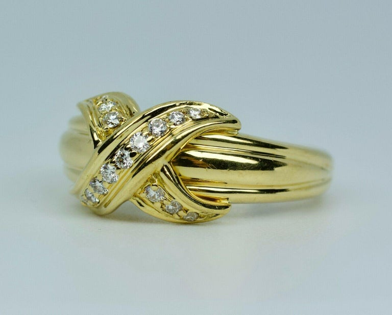 Round Cut Tiffany & Co. 1990 18k Yellow Gold X Shape Round White Diamond Ring For Sale