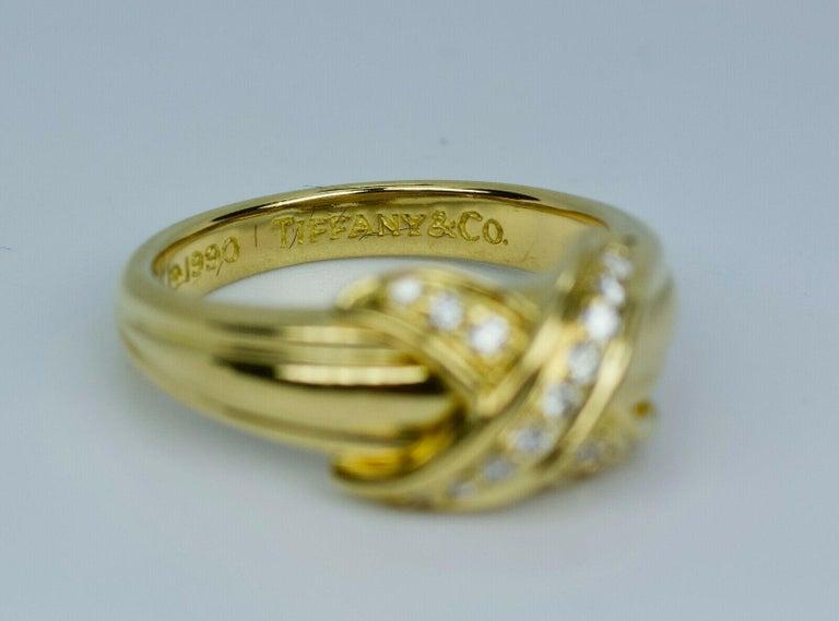 Women's or Men's Tiffany & Co. 1990 18k Yellow Gold X Shape Round White Diamond Ring For Sale