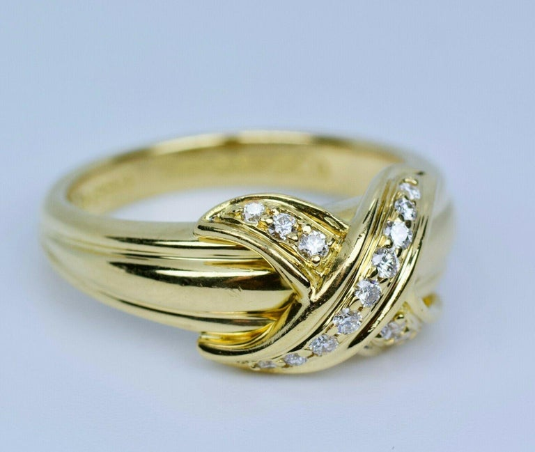 Tiffany & Co. 1990 18k Yellow Gold X Shape Round White Diamond Ring For Sale 1