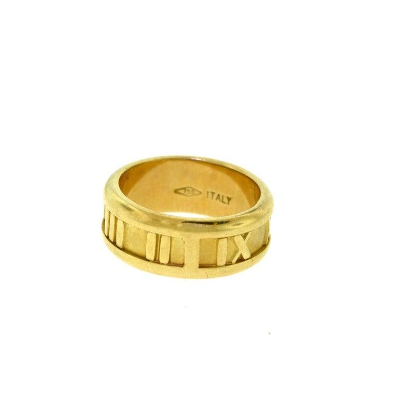 Tiffany & Co. 1995 Atlas 18 Karat Yellow Gold Roman Numeral Ring In Good Condition For Sale In Miami, FL
