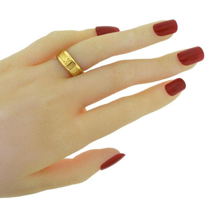 Women's or Men's Tiffany & Co. 1995 Atlas 18 Karat Yellow Gold Roman Numeral Ring For Sale