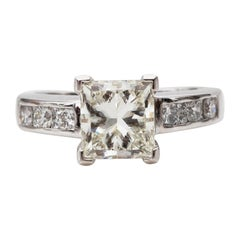 Tiffany & Co. 2.5 Carat Total Weight Platinum Diamond Engagement