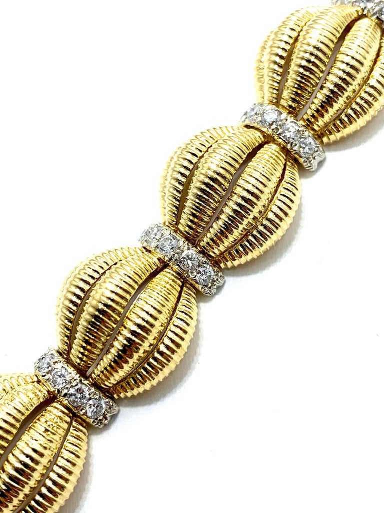 Tiffany & Co. 2.50 Carat Round Diamond and Domed Textured Gold Link Bracelet In Excellent Condition For Sale In Washington, DC